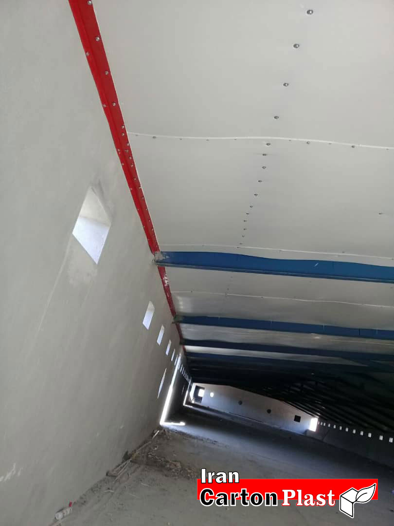 2020114 - پوشش سقف سوله با کارتن پلاست